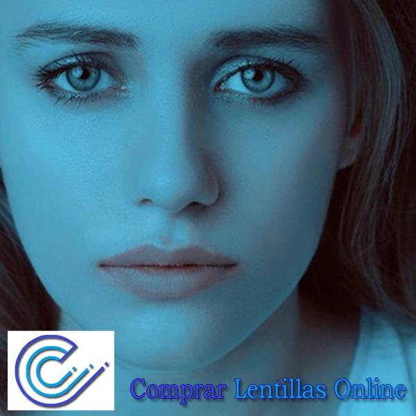 El ojo seco puede ser debido a los cambios hormonales asociados a la menopausia